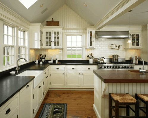 Cottage Kitchen - Beadboard