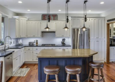 Updated White Kitchen Cabinets 9